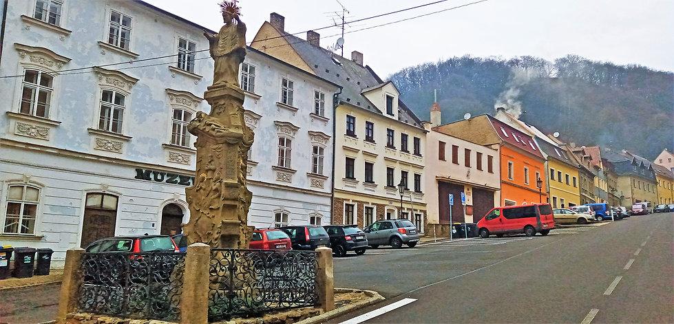 3 - Historické náměstí Krupky.jpg