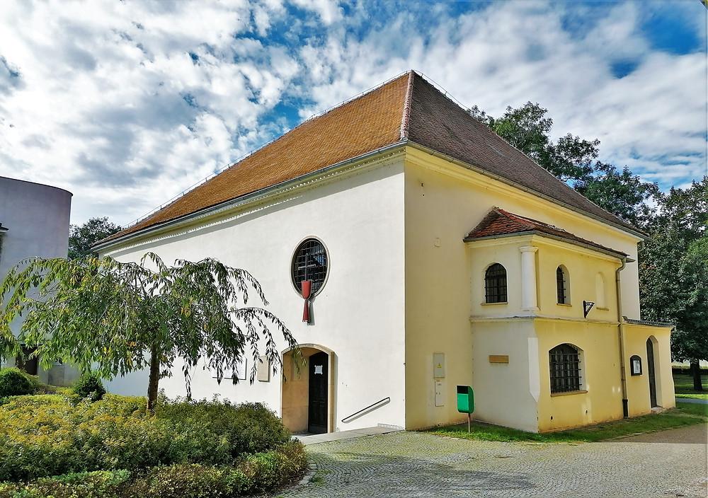 Bývalá synagoga v Kojetíně