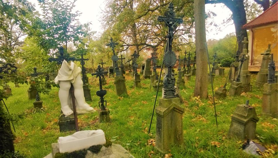 Galerie: Genius loci tasnovického hřbitova