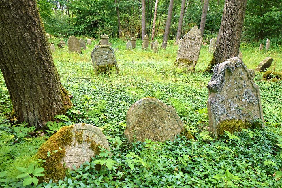 Nejstarší náhrobek na pořejovském židovs