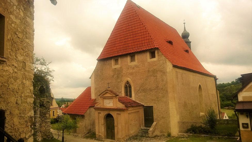 Kostel Nejsvětější trojice Rabí.jpg