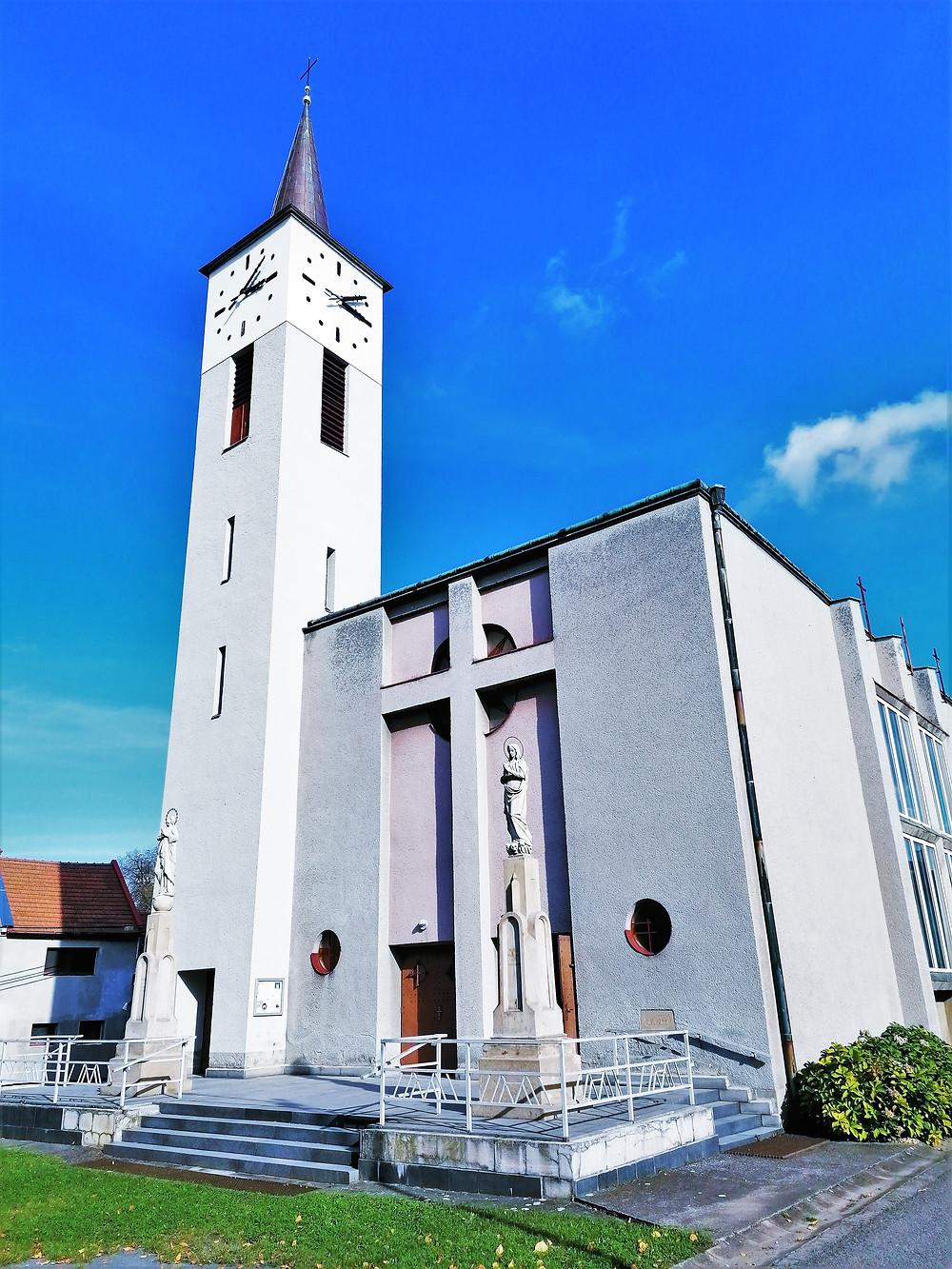 Kostel svatého Josefa v Radslavicích