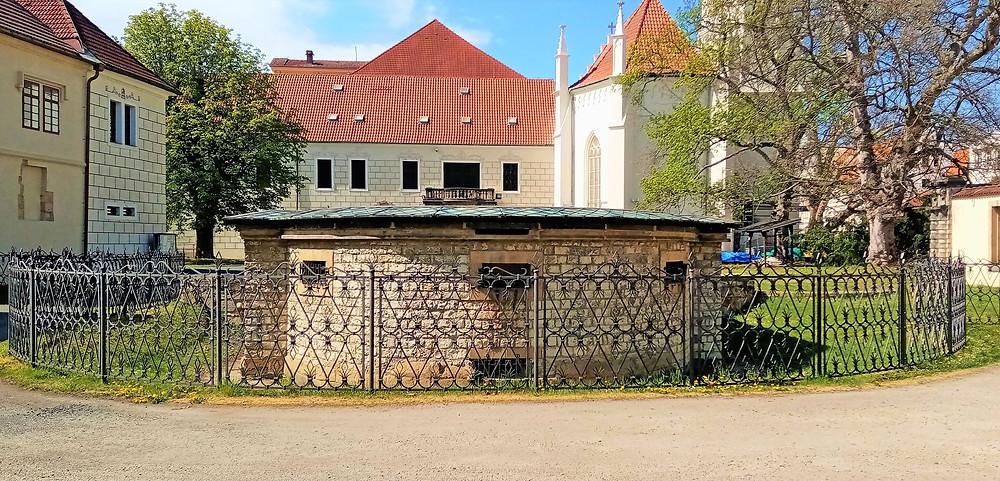Základy románské baziliky Panny Marie, Teplice