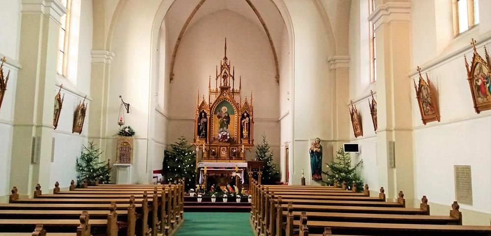 Interiér kostela svatého Jakuba Staršího ve Stodůlkách