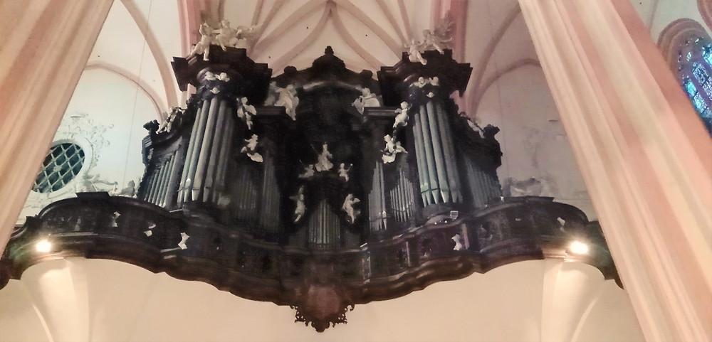 Varhany v kostele svatého Mořice v Olomouci mají přes 8 tisíc píšťal a jsou největšími ve střední Evropě
