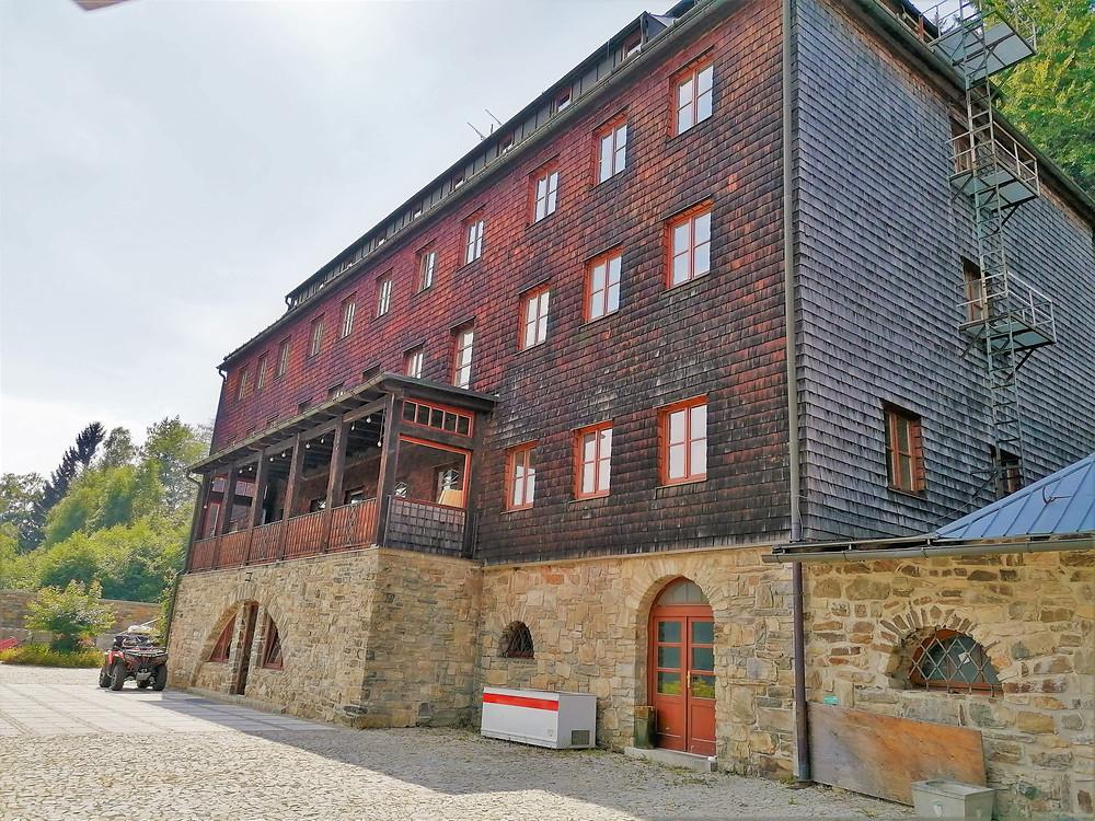 Budova hotelu Primavesi