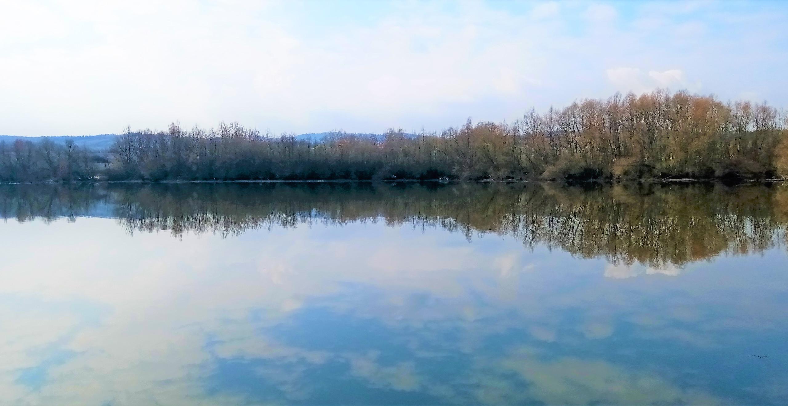 Hladina vodní nádrže Sedlec