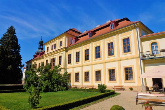 Galerie: Zapomenutá krása zámku ve Svojšíně