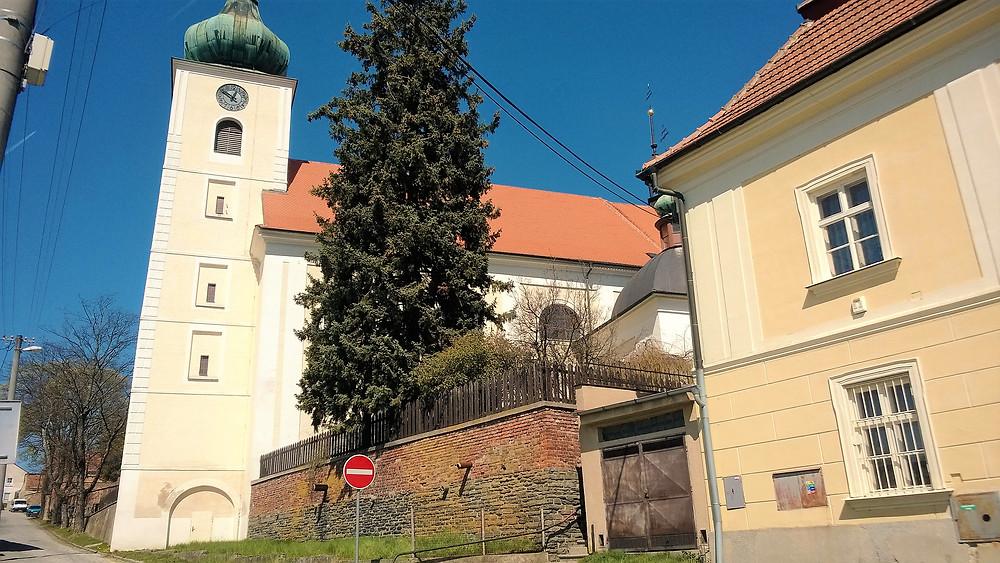 Kostel Narození Panny Marie v Konicích