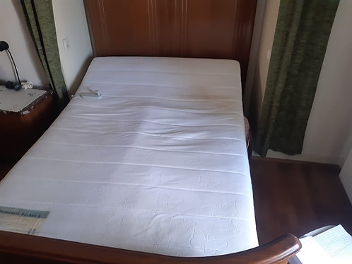 Rustikales Bett inklusiv Lattenrost