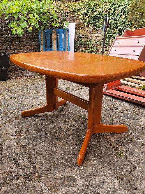 Massiver Esszimmertisch + 6 Stühle (Kirschbaumholz)