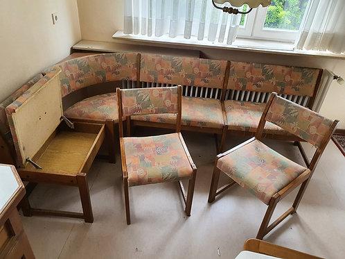 Kücheneckbank mit 2 Stühlen