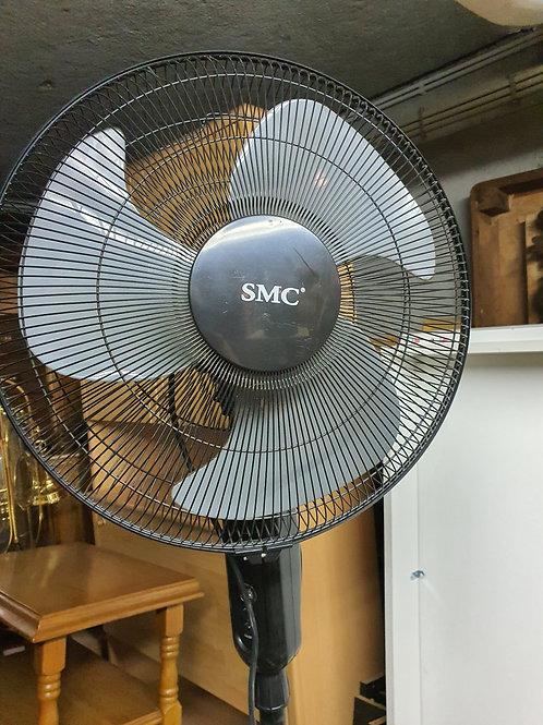 Grosser Ventilator mit 3 Geschwindigkeitsstufen