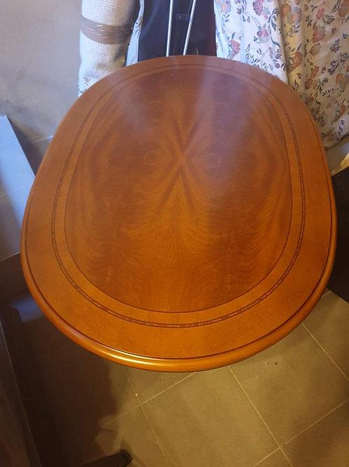 Hochwertiger ovaler Sofatisch aus Kirschholz