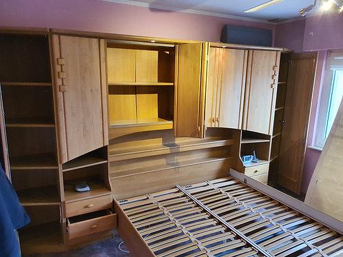 Komplettes Schlafzimmer inkl. grossem Kleiderschrank
