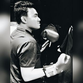 JAY CHUA Singer 蔡戔倡歌手 Boxing Fight
