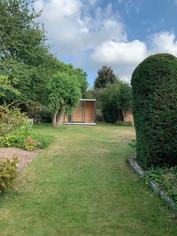 Un Cube au fond du jardin