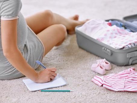 Valise pour la maternité : les indispensables pour bébé et maman