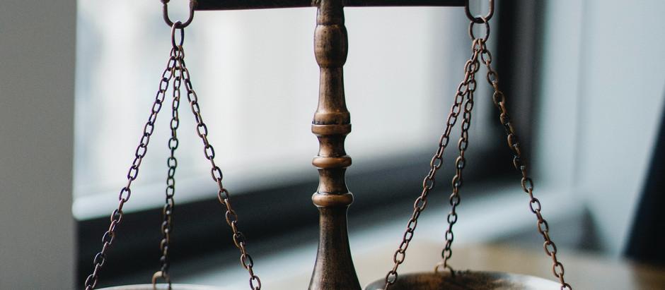Warum sich Wirtschaftswissenschafts-Studierende mit rechtlichen Themen auseinandersetzen sollten