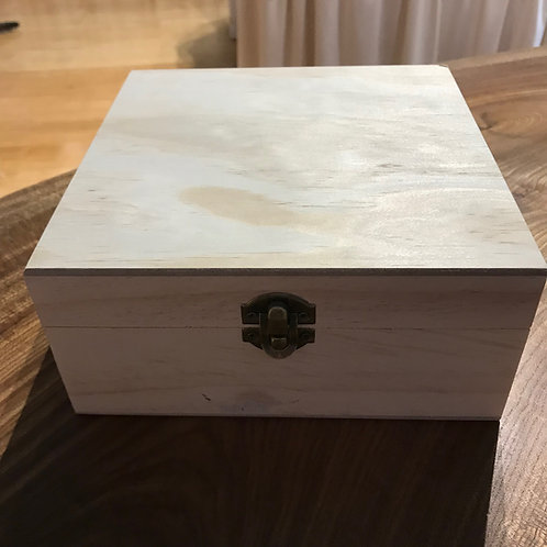 Simple Wooden 25 Bottle Aromatherapy Chest