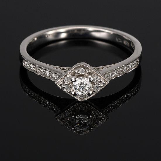 Inel din aur alb de 14k cu diamante de 0.19 ct.