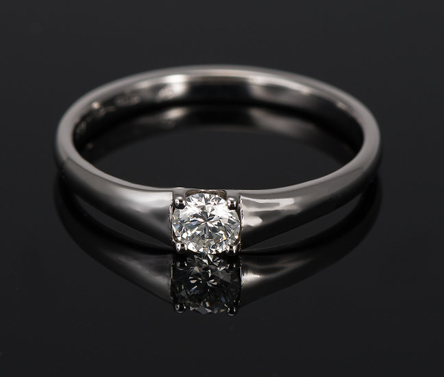 Inel din aur alb de 14k cu diamante de 0.21 ct.