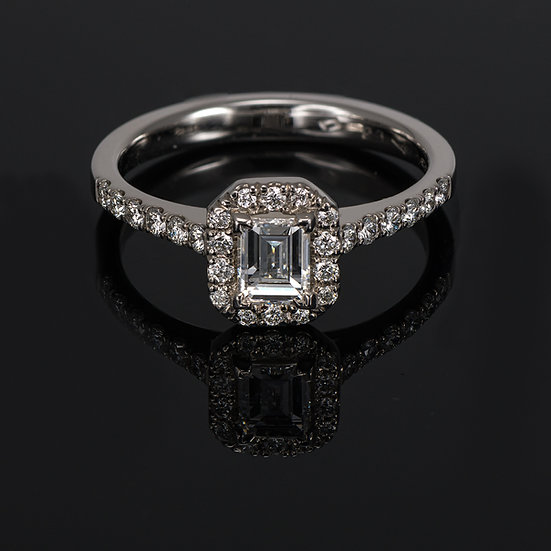 Inel din aur alb de 14k cu diamante de 0.57 ct.