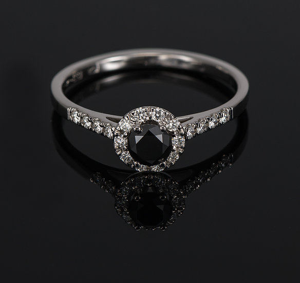 Inel din aur alb de 14k cu diamante de 0.43 ct.