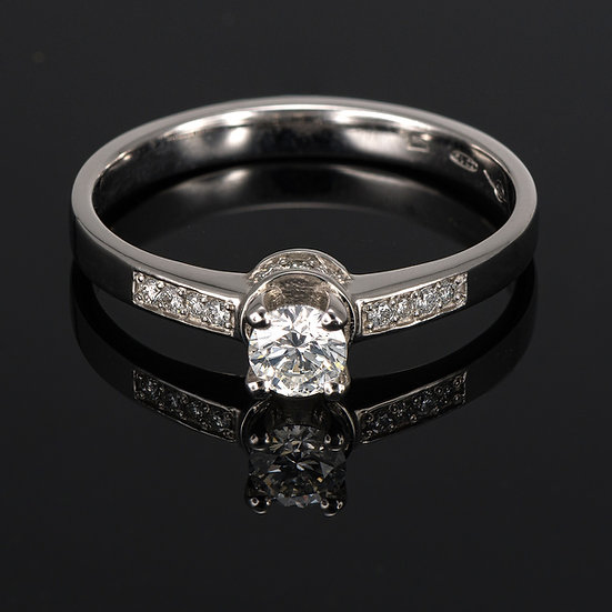 Inel din aur alb de 14k cu diamante de 0.28 ct.