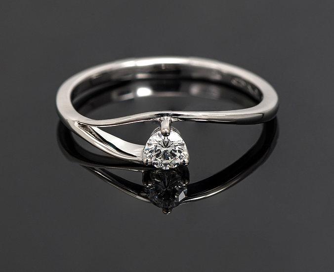 Inel din aur alb de 14k cu diamante de 0.15 ct.