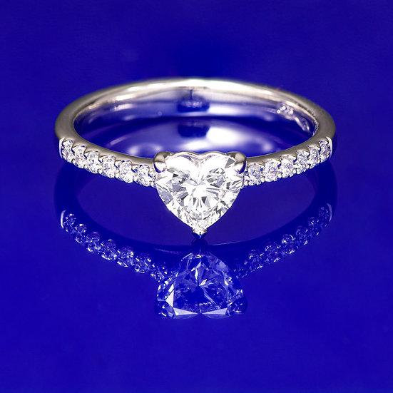 Inel din aur alb de 14k cu diamant heart in total de 0.65 ct.