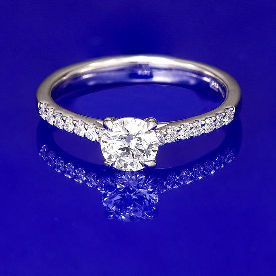 Inel din aur alb de 14k cu diamante in total de 0.63 ct.