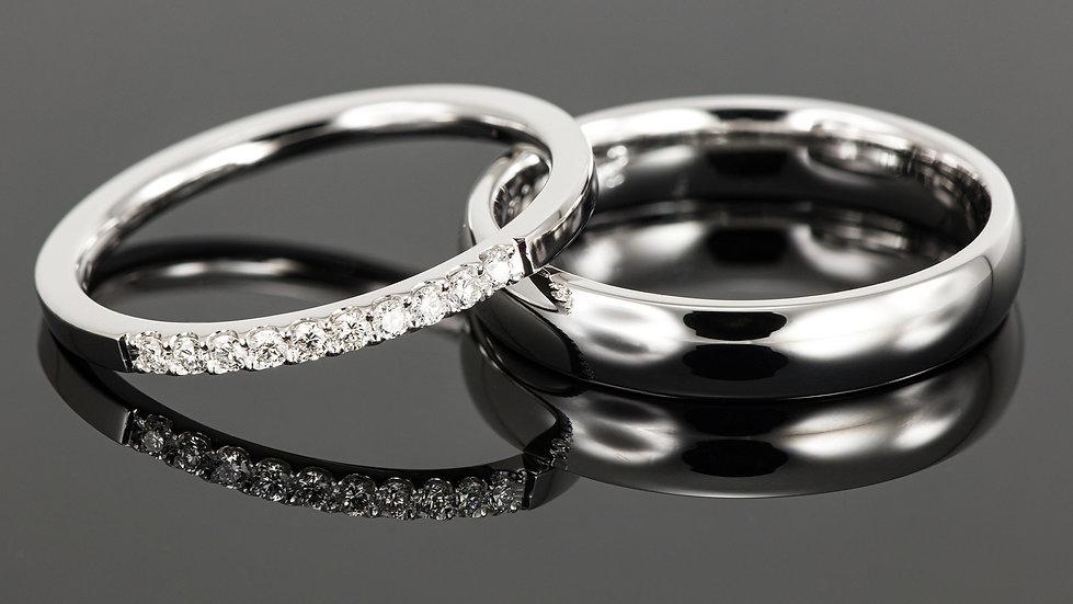Pereche de verighete din aur alb de 14 K cu diamant de 0.015 CT.