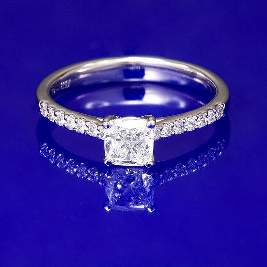 Inel din aur alb de 14k cu diamant cushion in total de 0.65 ct.