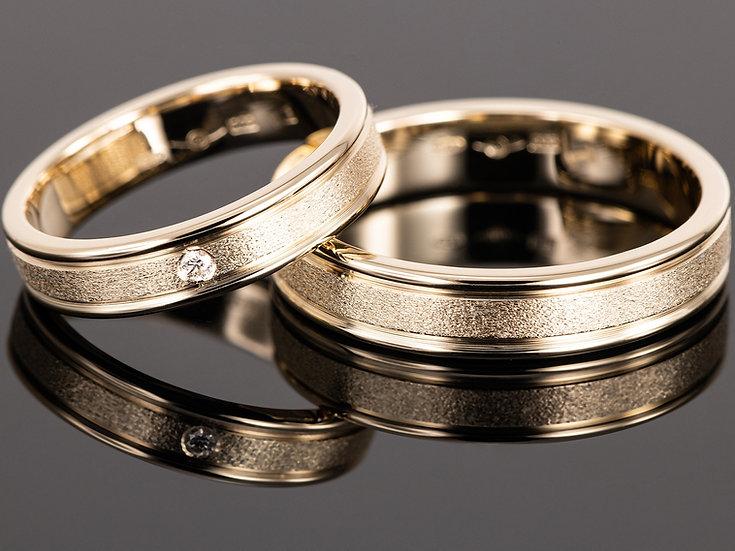 Pereche de verighete din aur galben de 14K cu diamant de 0.023 CT