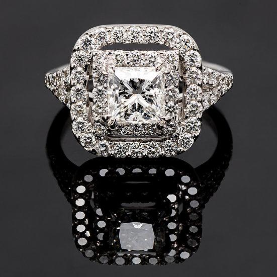 Inel din aur alb de 14k cu diamante de 1.87 ct.