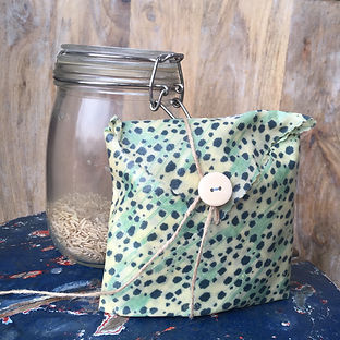 A sandwic wrap pouch storing rice from a zero waste shop