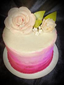 Rose topping cake