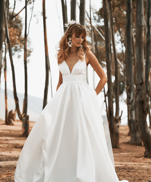 Vagabond bridal gown with pockets