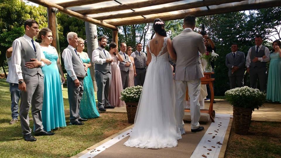Vestido de noiva sem cauda