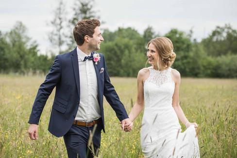Hochzeit-Hochzeitsfotografin-Biberach-Ochsenhausen-Natürliche-Hochzeitsfotografie-Ravensburg-Bodensee-Schweiz