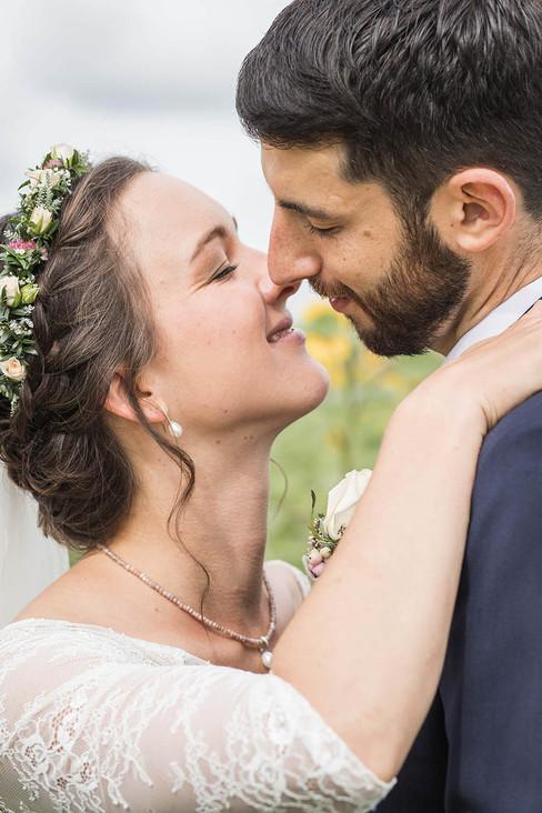 Hochzeit-Hochzeitsfotografin-Wolfegg-Hochzeitsreportage-Natürliche-Hochzeitsfotografie-Ravensburg-Bodensee-Schweiz
