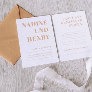 Hochzeitskarten-Papeterie-Fine-Art-Karten-Hochzeitsinspiration-moderne-Hochzeitskarten-gerissene-Kanten