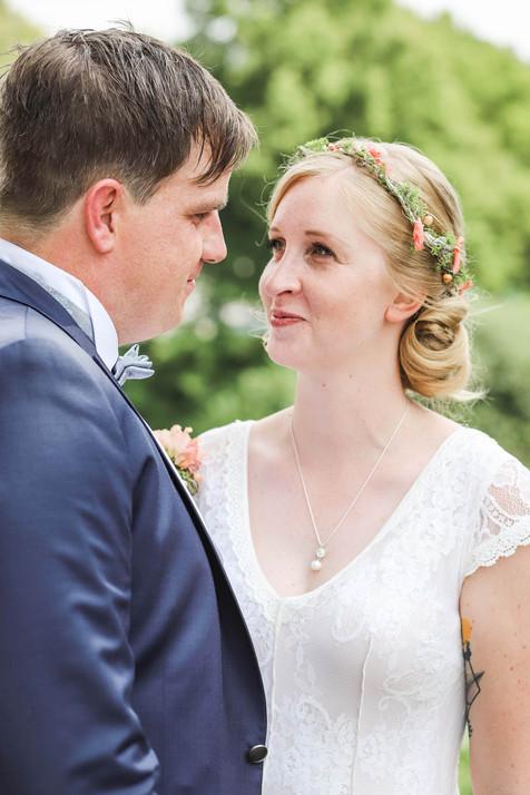 Hochzeit-Hochzeitsfotografin-Sigmaringen-Hochzeitsreportage-Natürliche-Hochzeitsfotografie-Ravensburg-Bodensee-Schweiz