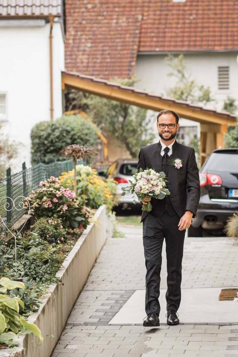 Hochzeit-Hochzeitsfotografin-Biberach-Hochzeitsreportage-Natürliche-Hochzeitsfotografie-Ravensburg-Bodensee-Schweiz