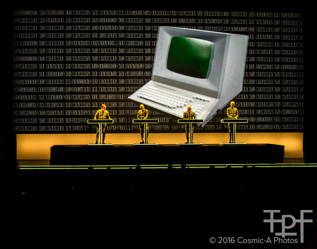 Kraftwerk 3D - Computer World  PC: Cosmic-A Photos