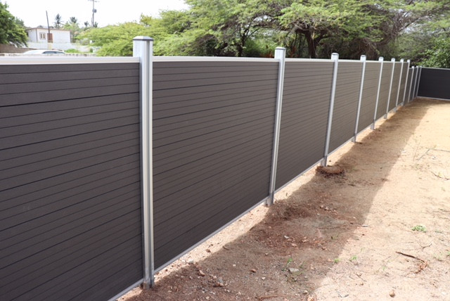 Tranditional fence project pictures (3).