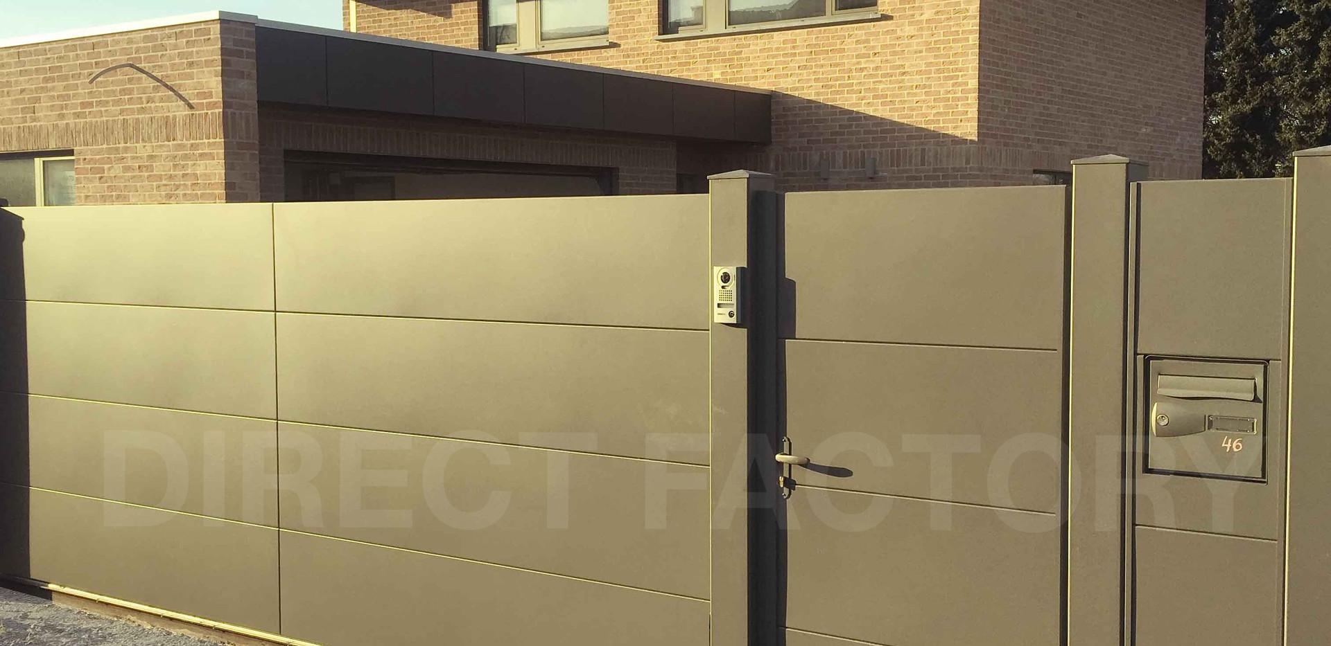 direct-factory-portail-en-aluminium-sur-