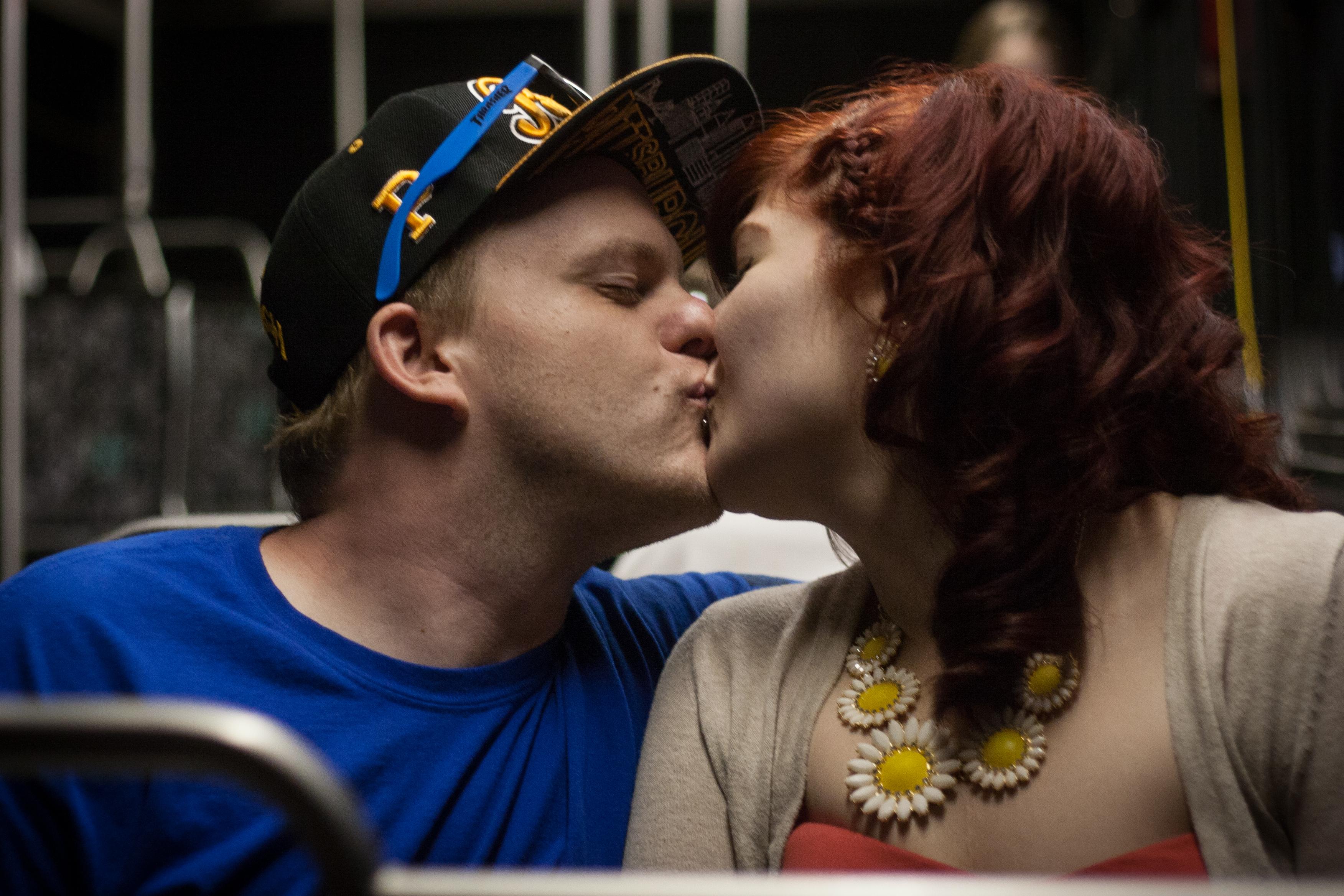Bus Kiss
