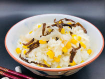 black and white wood ear with corn takikomi gohan